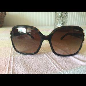 Accessories - Vogue Sunglasses made in Italy ECU
